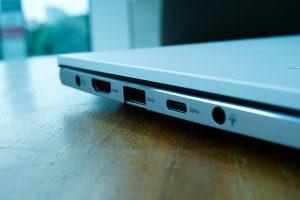 Konektivitas ASUS VivoBook S14 S433